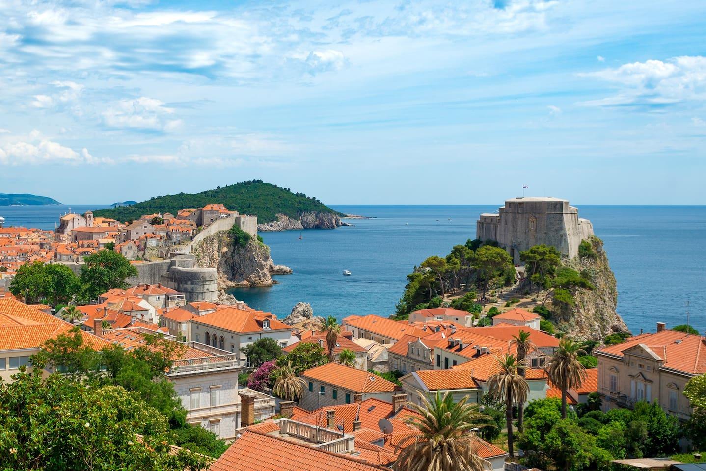 Vista do alto de Dubrovnik, na Croácia — um dos cenário de Game of Thrones. Foto: Divulgação/Airbnb