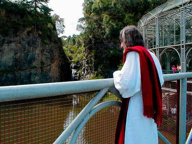 Na Ópera de Arame, durante um passeio com seus discípulos. Foto: INRI Cristo/Arquivo Pessoal