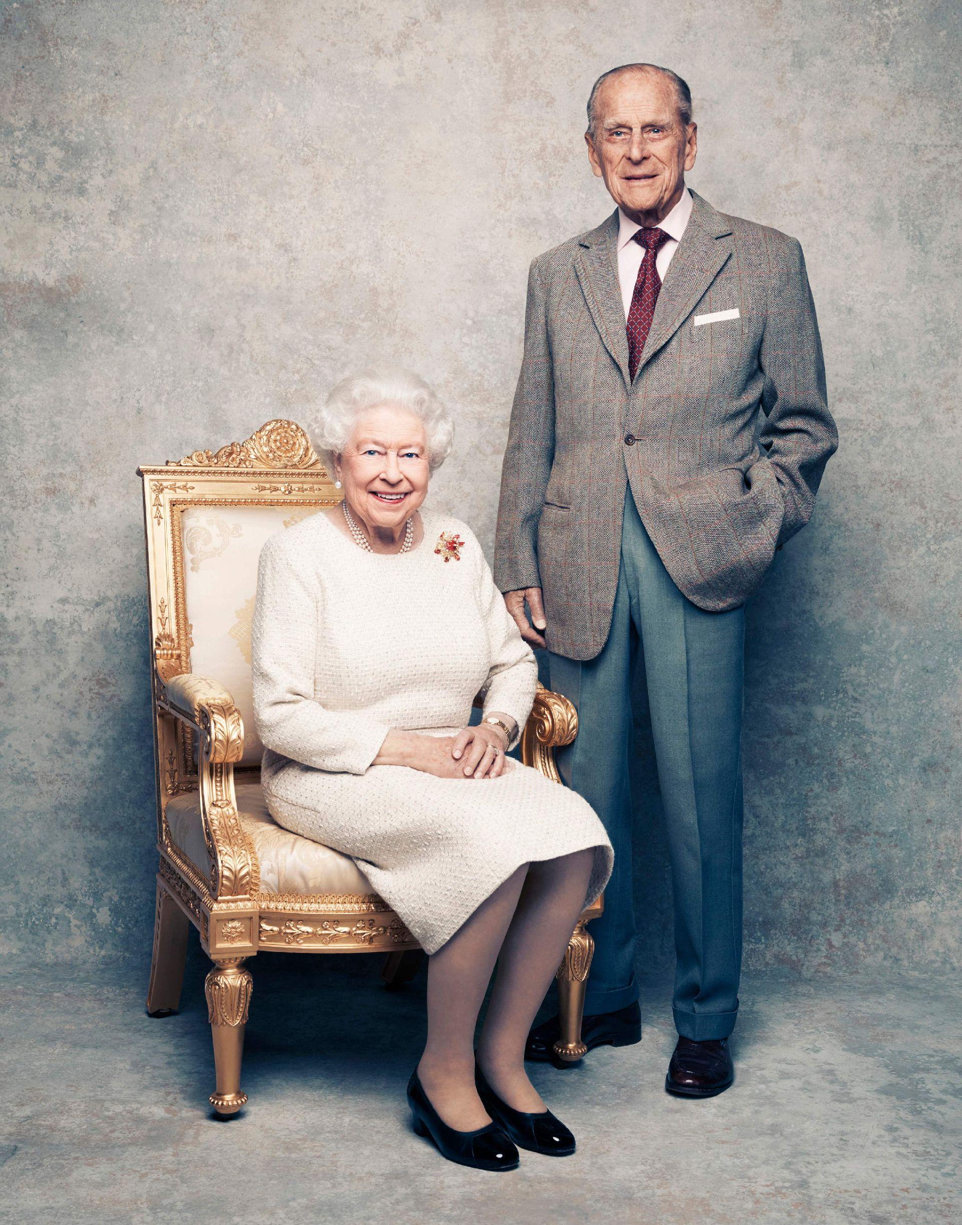 Um retrato do casal foi divulgado para comemorar o aniversário de casamento. Foto: Matt Holyoak/Camerapress