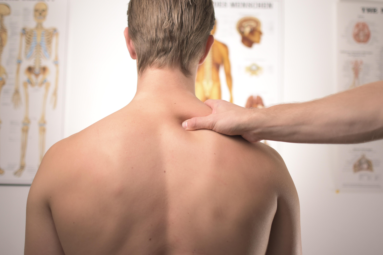 Escolher qualquer série de treinos pela internet pode trazer problemas para o corpo. Foto: Unsplash.