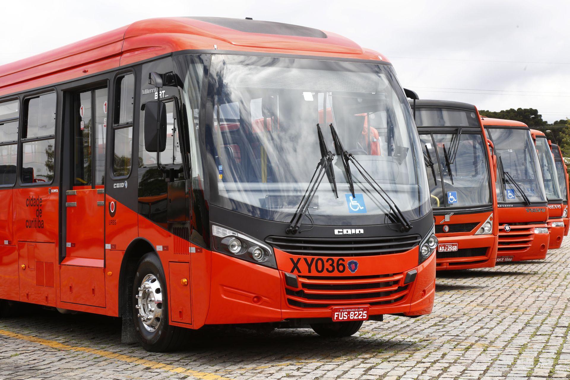 O modelo de transporte coletivo colocou Curitiba como referência para várias cidades do mundo. Foto: Gazeta do Povo