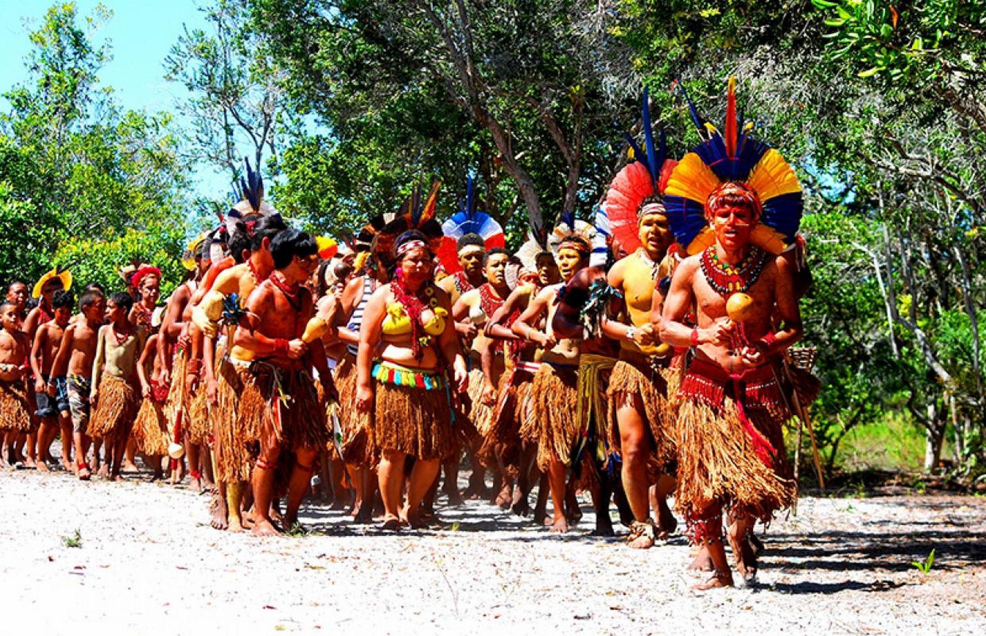 A Reserva Indígena Pataxó da Jaqueira, localizada a apenas 12 quilômetros do centro de Porto Seguro, preserva a história e os costumes dos índios que habitavam a região. Foto: divulgação.