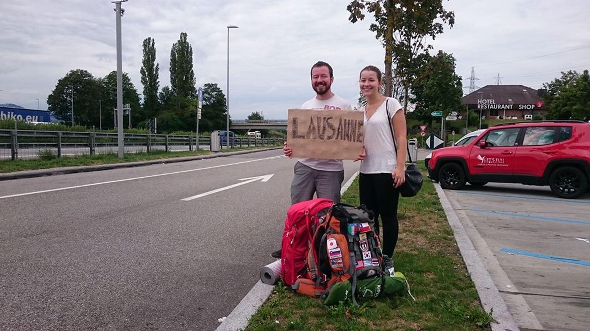 A caminho de Lausanne com a irmã, Fernanda Eisfeld, também de carona. Foto: acervo pessoal.