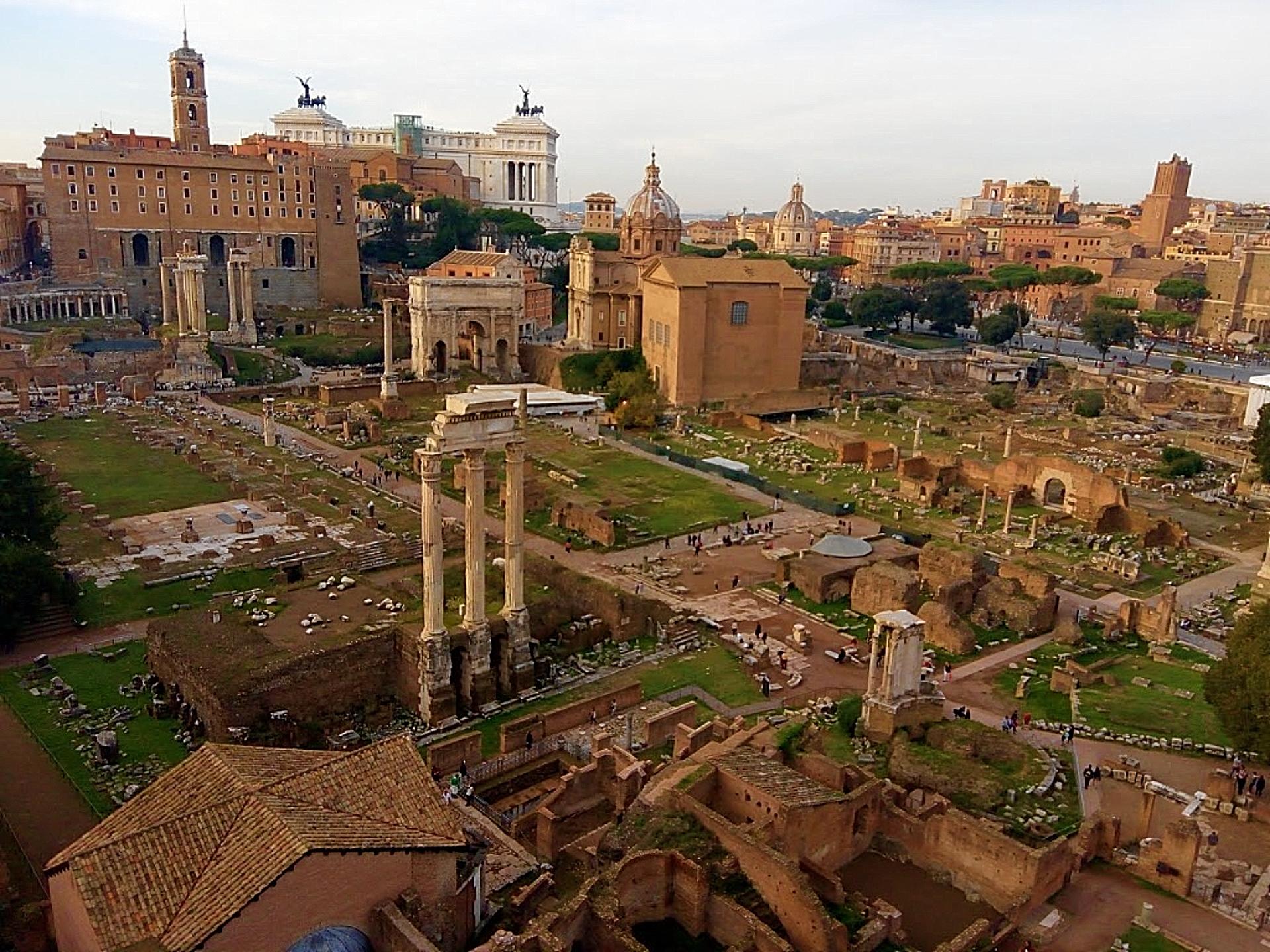 O Palatino e o Foro Romano guardam muitas ruínas da Roma Antiga. Foto: Carolina Werneck/Gazeta do Povo
