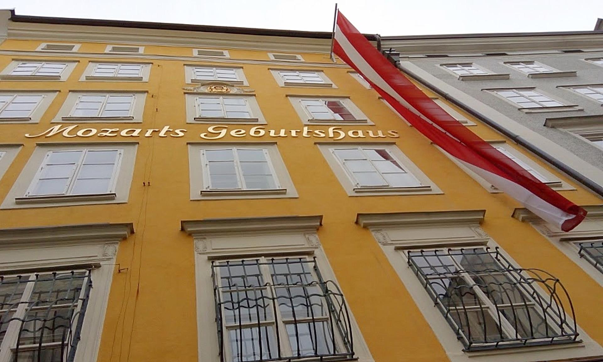 Fachada da casa em que Mozart nasceu, em Salzburgo, na Áustria. Foto: Carolina Werneck/Gazeta do Povo