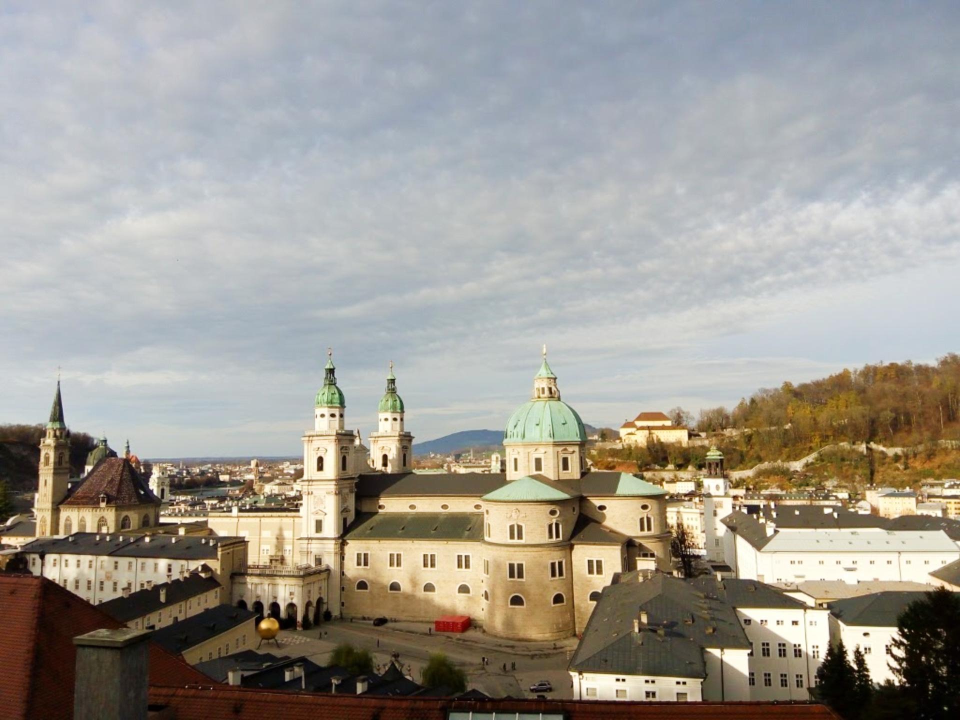 Visual durante a subida até a fortaleza de Salzburgo, na Áustria. Foto: Carolina Werneck/Gazeta do Povo