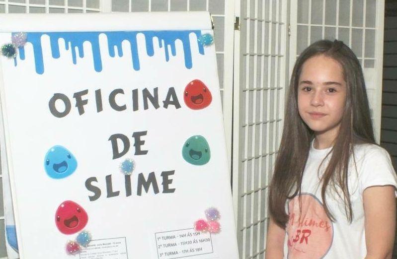 Empreendedora, Júlia contou com a ajuda da mãe para abrir a própria empresa de oficinas de smile. Foto: arquivo pessoal.