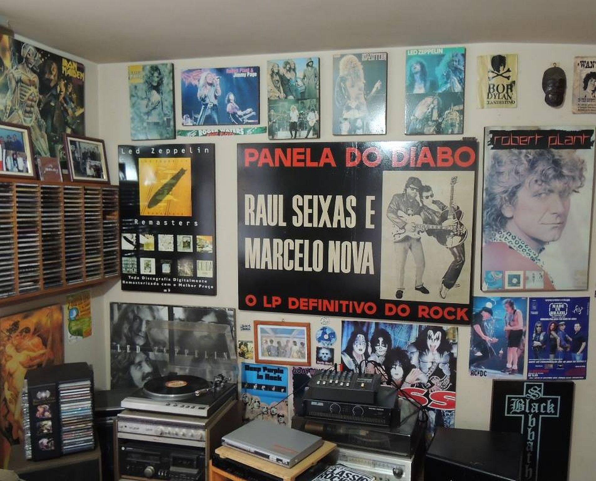 Mais de 10 mil itens estão expostos na casa de Mário Bianchini, que se tranformou no Museu do Rock, na Lapa. Foto: Arquivo pessoal.
