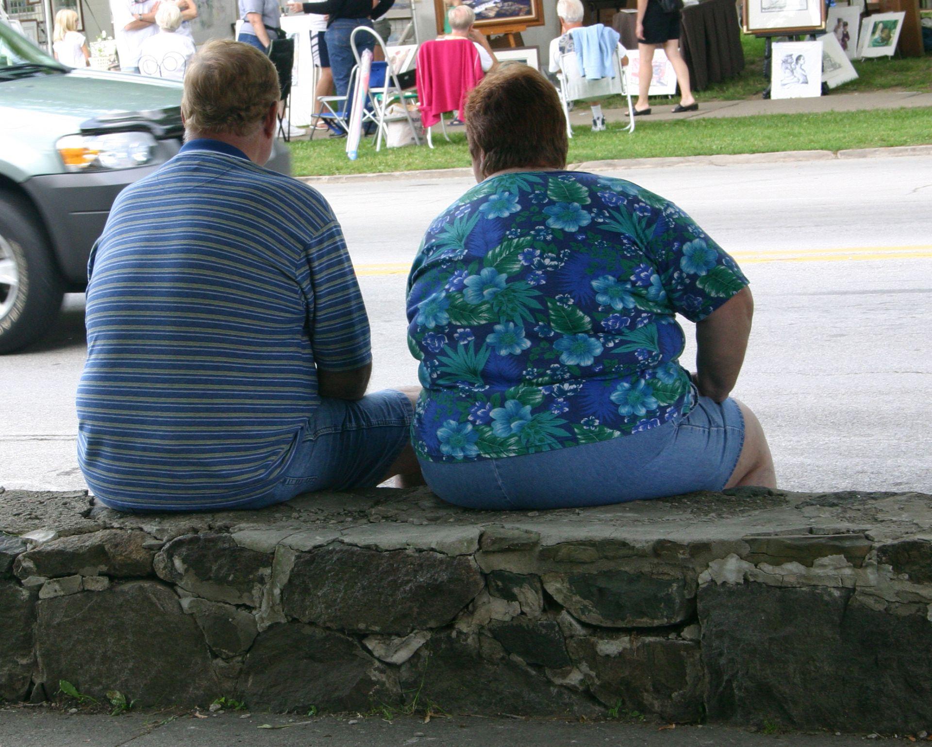 A gordura e os açúcares são prejudiciais em excesso mesmo para pessoas que não passaram por cirurgias gástricas. Em pacientes operados, essas substâncias não serão digeridas corretamente. Foto: Bigstock.