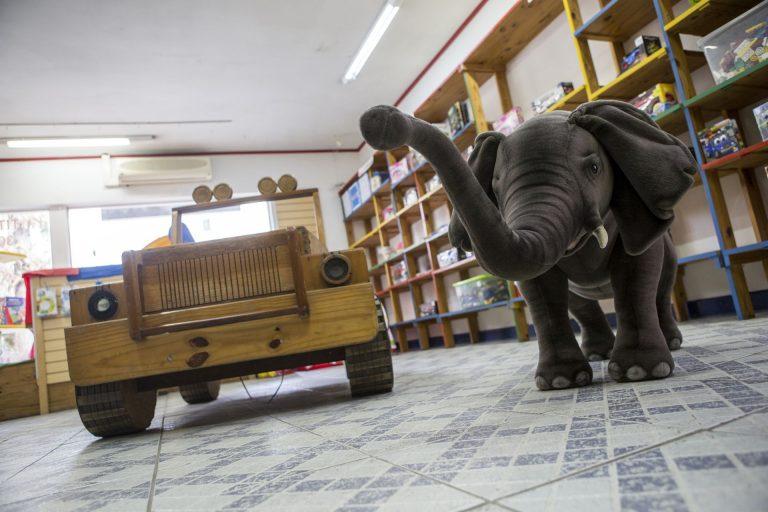 A Titá era referência em brinquedos educativos. Fotos: Marcelo Andrade/Gazeta do Povo.
