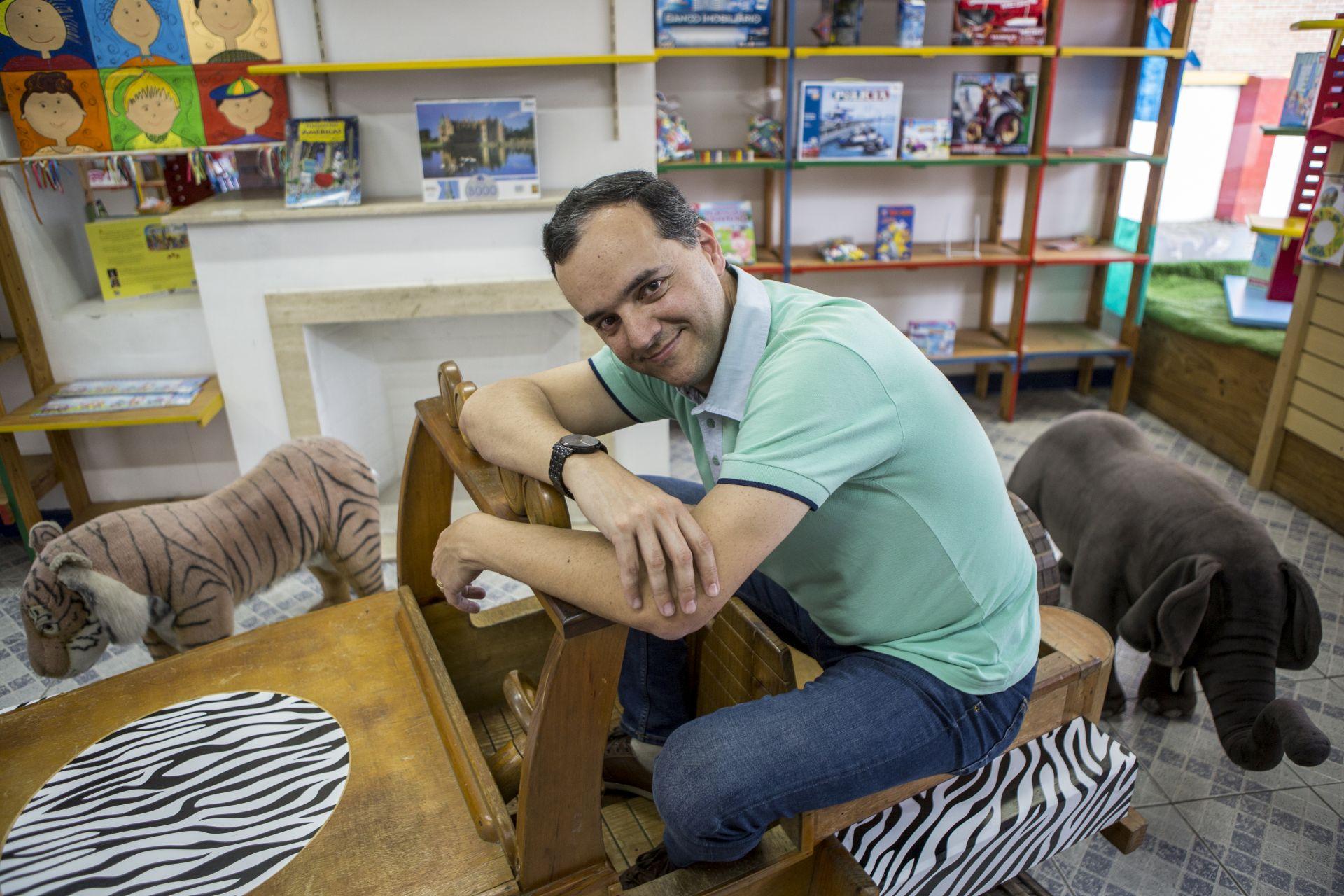 Um dos proprietários, Fabiano Lopes: crise econômica foi uma das responsáveis pelo fechamento.