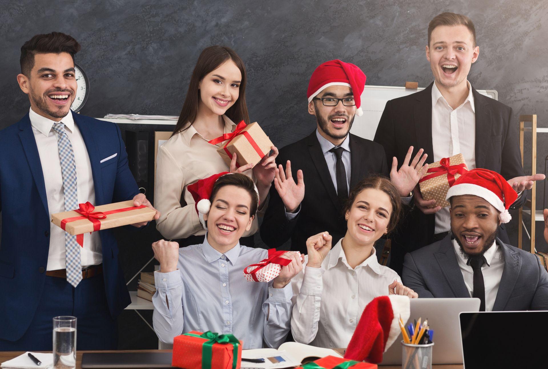 Evite as canecas e chocolates, e se empenhe em dar um presente legal para o amigo secreto (Foto: Bigstock)