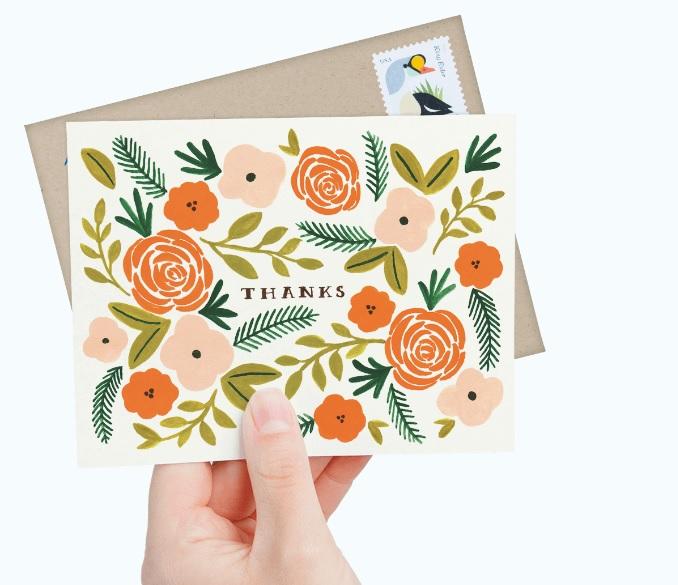Se não há como fugir do cartão-presente para seu amigo secreto, inclua um cartão com uma mensagem escrita à mão. Foto: Divulgação