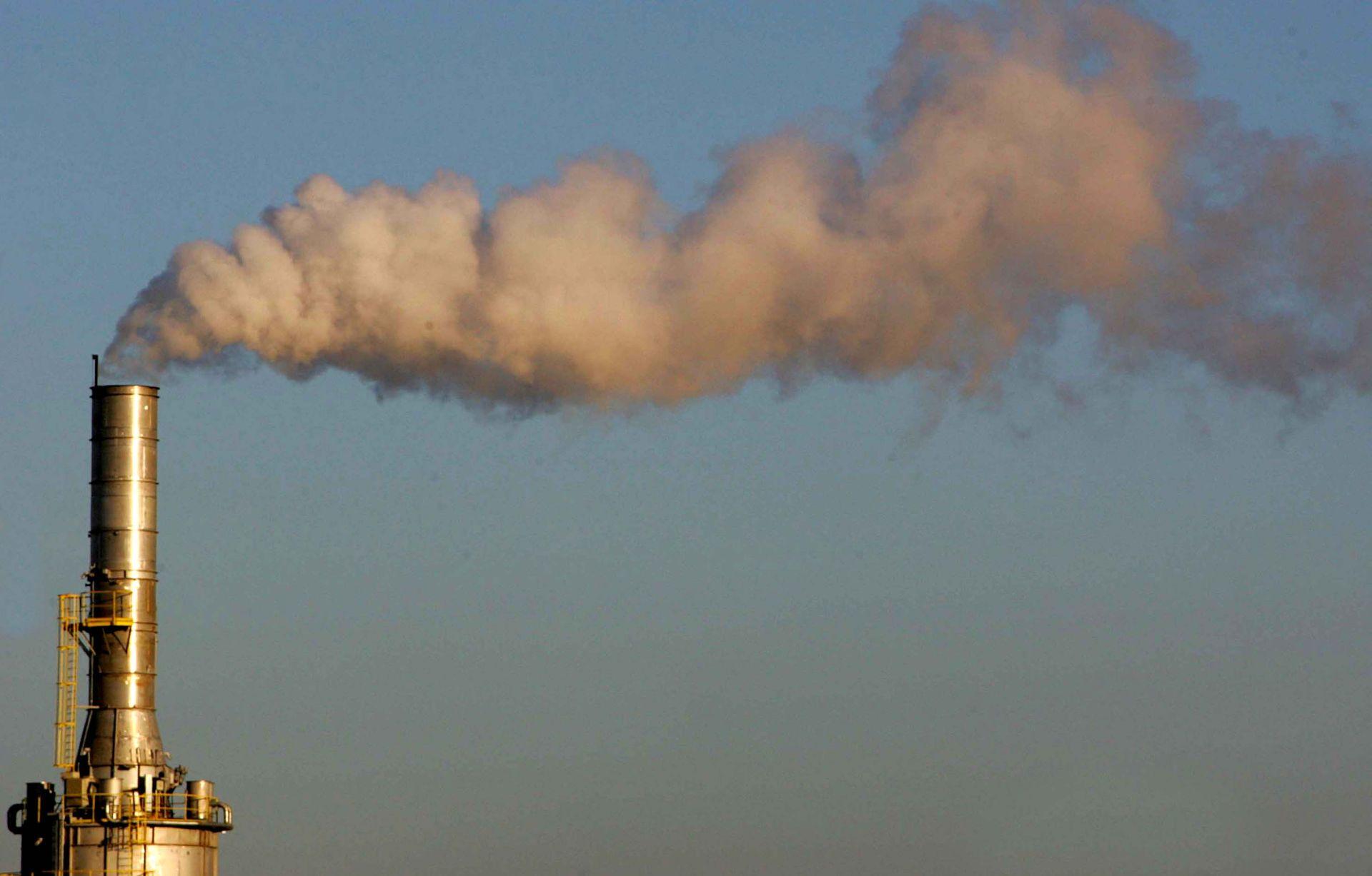 Poluição do ar e mudanças climáticas são a principal preocupação da OMS por malefícios à saúde mundial (Foto: Ivonaldo Alexandre / Gazeta do Povo / arquivo)