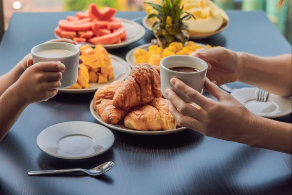 Café da manhã: tomar ou não tomar?