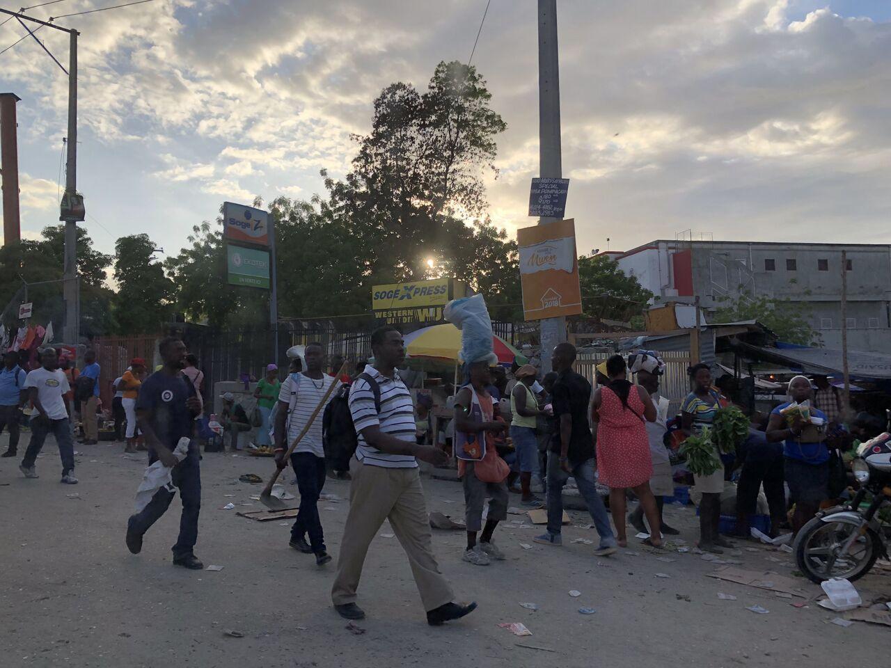 Haiti é um dos países mais pobres da América, sofre com a falta de água encanada, energia elétrica constante e violência (Foto: arquivo pessoal)