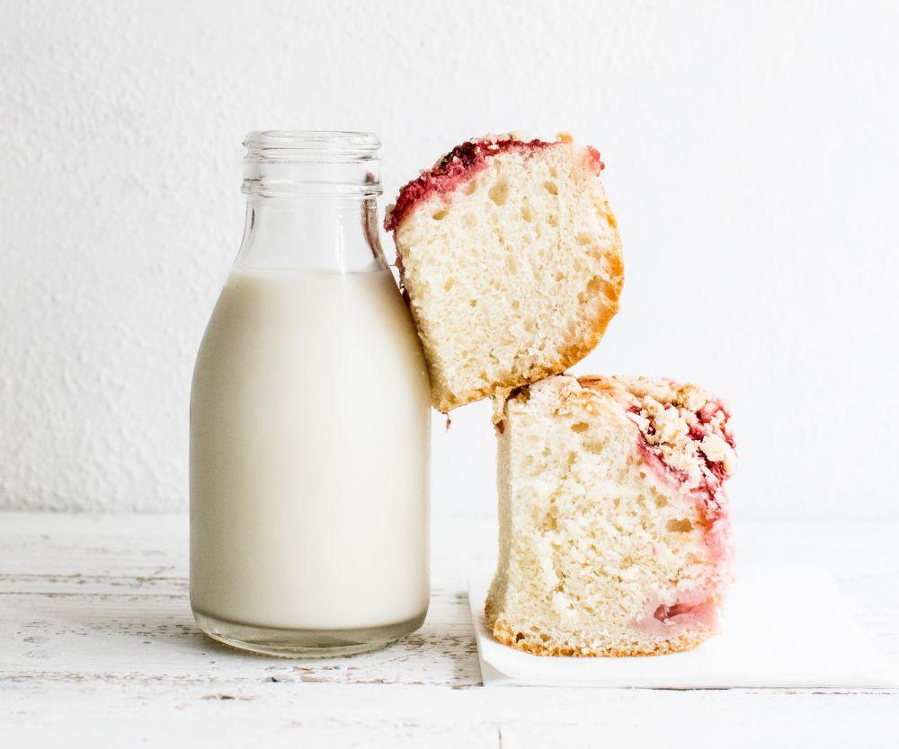 A lactose e o glúten são substâncias que pioram os sintomas da SII. Foto: Monika Grabkowska / Unsplash