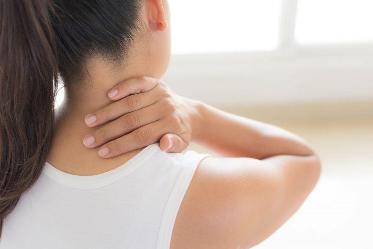 Os sintomas do AVC não apareceram imediatamente, mas não são incomuns quando costas e pescoços são estalados. Foto: Bigstock
