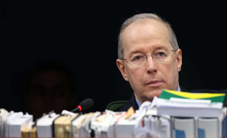 Decisão livre do ministro Celso de Mello, amanhã, faz parte de uma democracia e dos valores democráticos.