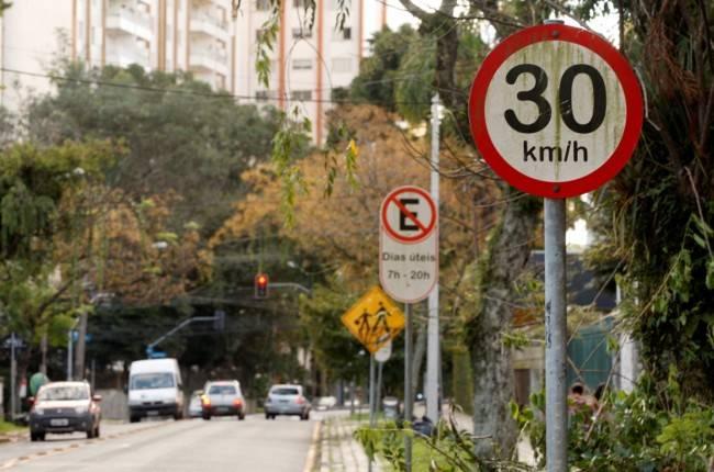 Vias acalmadas reduzem drasticamente o índice de mortes em caso de atropelamento de pedestres e ciclistas