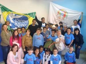 Foto: Movimento em prol da Paz e Não Violência de Londrina, Escola Ativa.