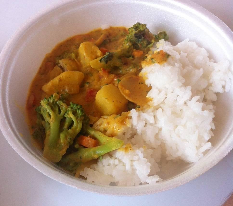 Navratan Korma vegetariano: o arroz tem iogurte. Foto: Carlos Felipe Urquizar Rojas