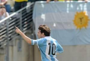 Messi, o camisa 10 da Argentina é atração e instrumento político nas mãos de Cristina.