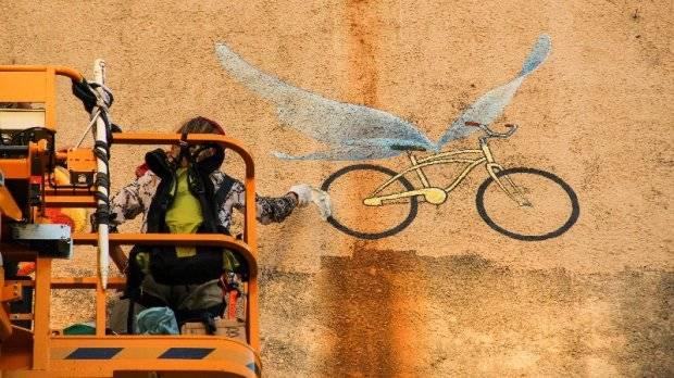 Mona Caron: presente para os ciclistas de Curitiba. (Foto: Beto Varella/CicloIguaçu)