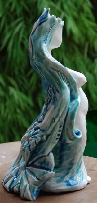 Escultura da artista plástica e cicloativista Amanda Gallego será doada ao município.