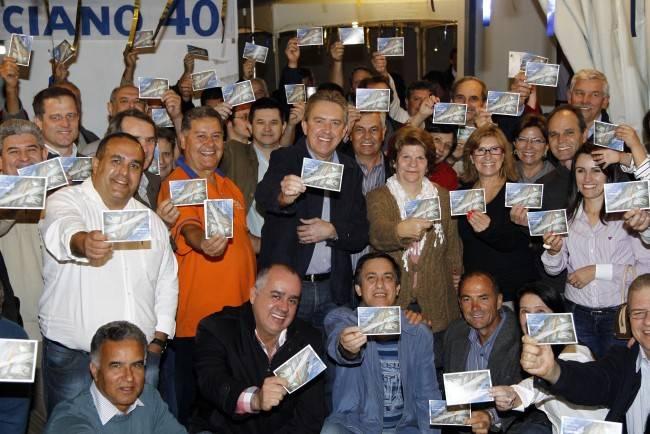 Ducci e sua claque: R$ 84 milhões para um cartão postal e uma campanha fracassada.