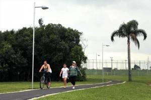 Parque Guairacá: cesde o início da gestão Fruet, Curitiba ganhou 1,3 km de ciclovia compartilhada. (Foto: Luiz Costa/SMCS)