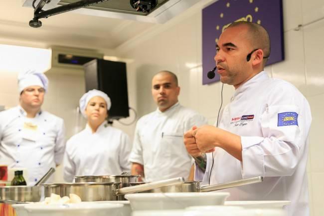 Ivan Lopes deu aula e abriu o seu Mukeka para Alex Atala, Janína Rueda e Celso Freire.