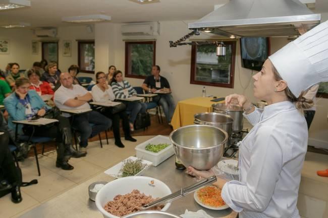 Com criatividade, a chef conseguiu extrair o sabor do pinhão para um prato