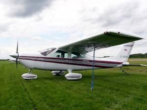 Cessna 177B Cardinal, modelo que caiu em Curitiba, em 30 de agosto de 2014 (Foto: Wiki Commons)