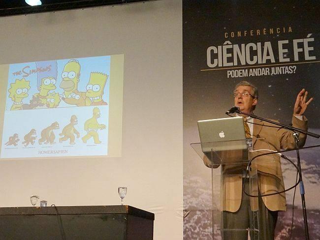 Karl Giberson dá palestra em evento de ciência e fé em São Paulo