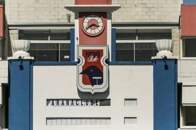 Relógio histórico da Vila Capanema: Paraná pode ceder o estádio em troca de uma nova casa no Boqueirão