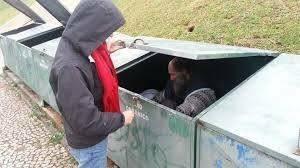 Auxílio-moradia do TC é tão revoltante quanto história do mendigo que morava no lixo do tribunal