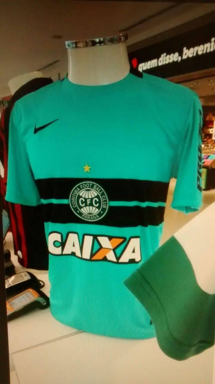6e45cf6f3 Com Rodrigo Fernandes. O mistério em torno da nova camisa do Coritiba ...