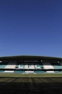 Estádio Couto Pereira na época de troca do gramado. (Jonathan Campos/ Gazeta do Povo)