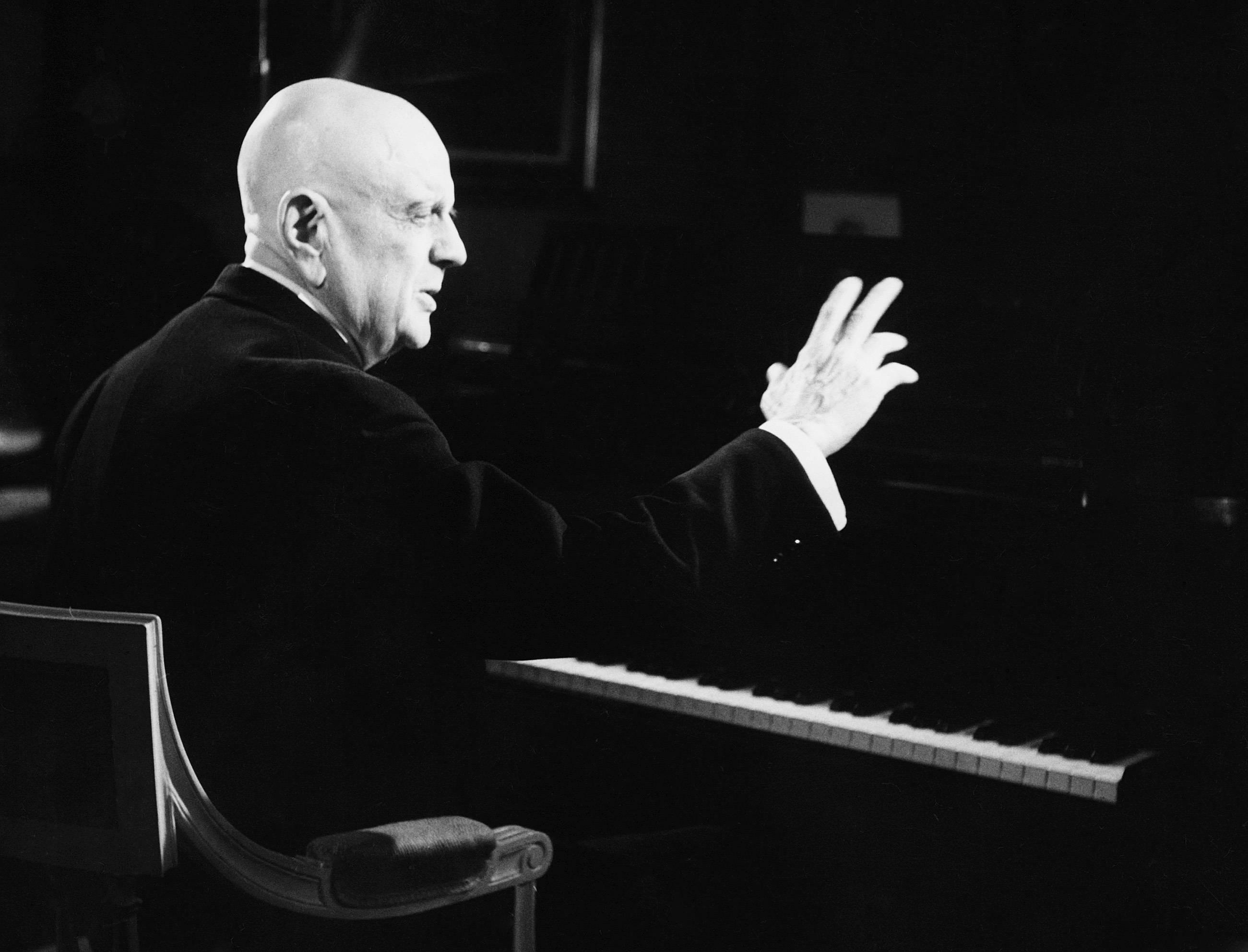 O compositor Jean Sibelius em uma foto de  1946