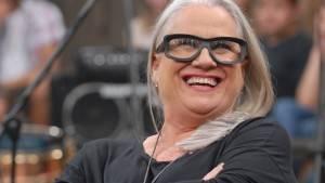 Vera Holtz defende o cabelo grisalho para a nova novela da Globo