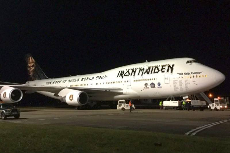 Iron Maiden revela o novo 'Ed Force One', o Boeing 747 que