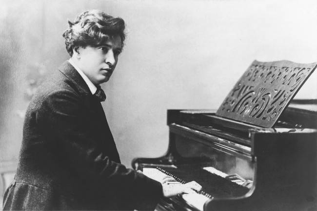 Ferruccio Busoni, em fotografia de 1895