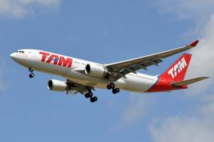 """Airbus A330-200 foi um dos aviões mais importantes para a TAM (Foto: <a href=""""https://flic.kr/p/ekgKfB"""">Eric Salard/Flick Commons</a>)"""