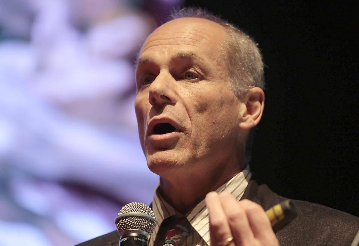 Marcelo Gleiser é crítico do ateísmo militante, que erra no conteúdo e na estratégia de divulgação de suas ideias. (Foto: Pedro Serápio/Gazeta do Povo)