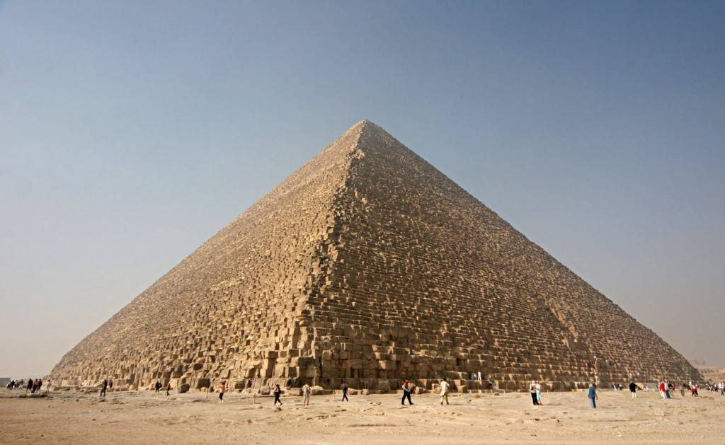 A Grande Pirâmide está sendo estudada pelo projeto Scan Pyramid. Foto: Wikimedia Commons