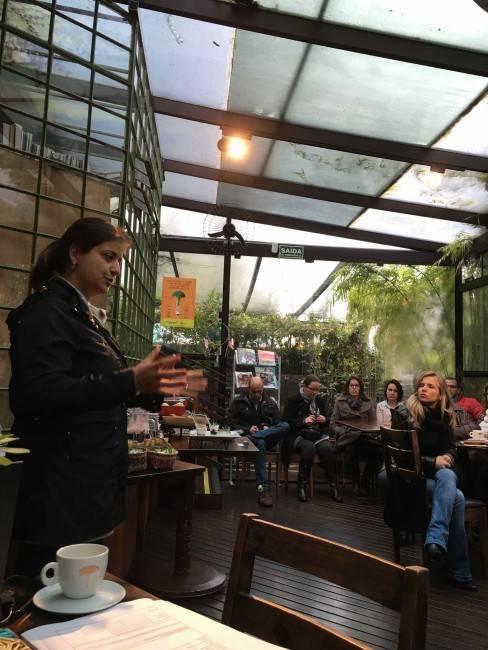 Marina Roseghini está quase desde o início das atividades da Gastronomia e explicou detalhes da proposta para o grupo presente
