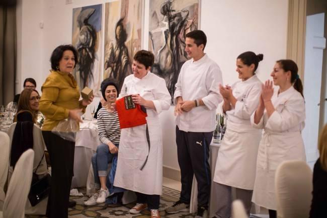 A chef Teresa Corsão e Roberta Sudbrack na segunda edição do Fórum Parabere