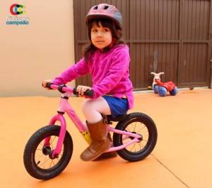 Mira Mama, sem os pedais e o freio da minha bicicletinha!