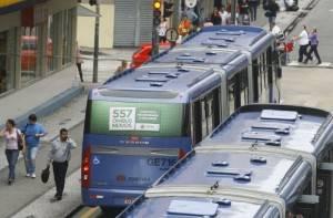 Prefeitura de Curitiba volta a atrasar dinheiro do ônibus para empresas